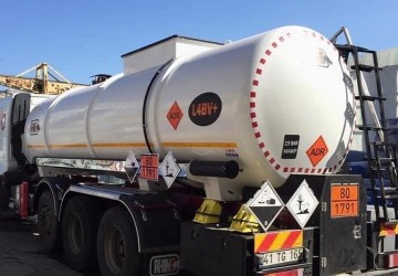 Rhino Tank'ın ürettiği ADR li Kırkayak tankerin iç yüzeylerini Chemline 784 ES ile kapladık.